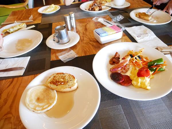 アウトリガーグアム パームカフェでの朝食