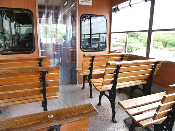 タモンシャトルバス 車内