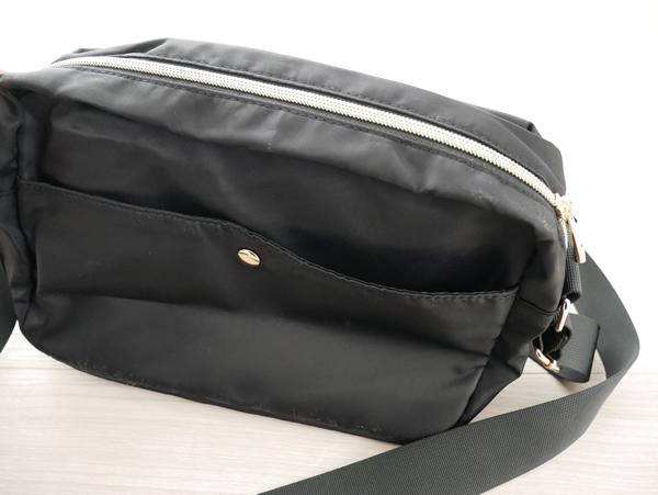 旅行用ショルダーバッグ