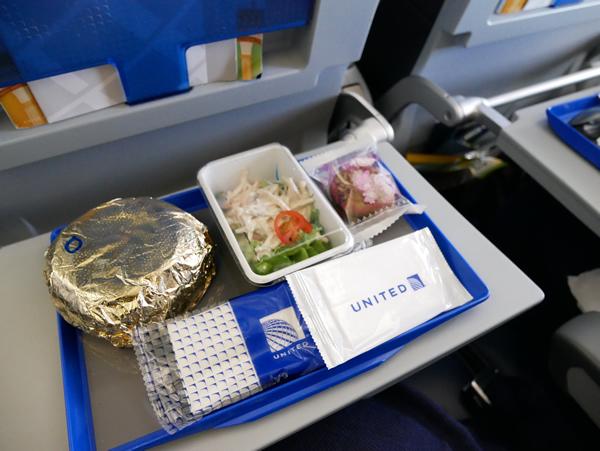 UA166便 機内食