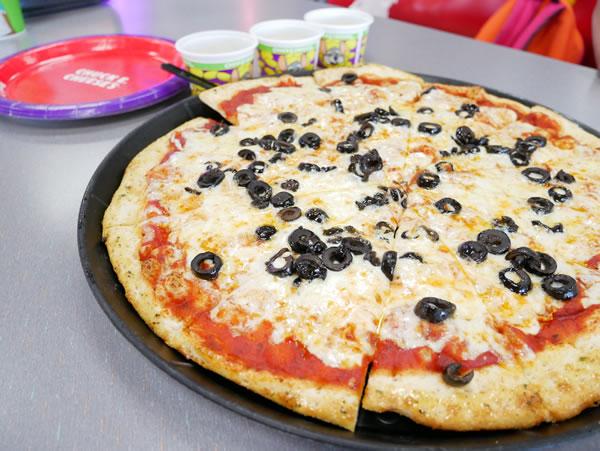 チャッキーチーズ ピザ