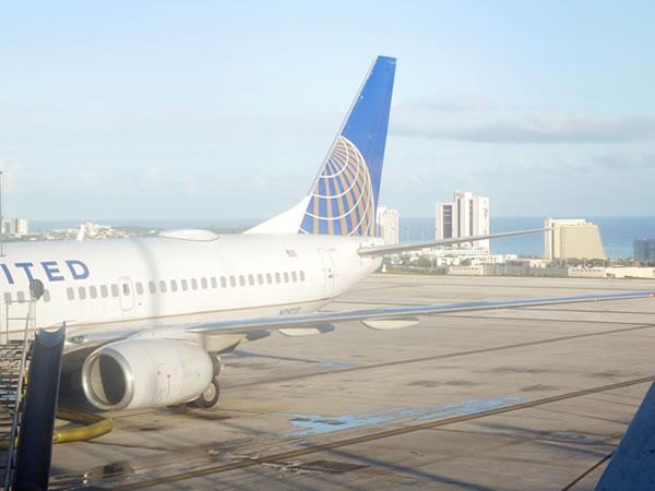 ユナイテッド航空UA165便
