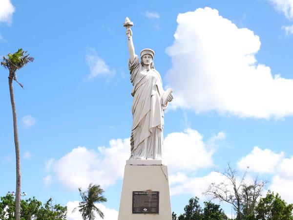 グアムパセオ公園自由の女神像