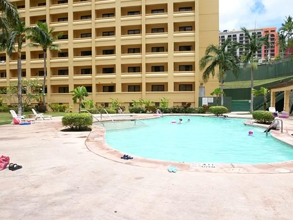 グアムプラザホテルのプール