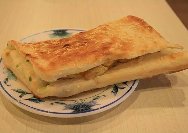 ロイヤルイン台北南西の朝食日曜日限定の厚餅夾蛋