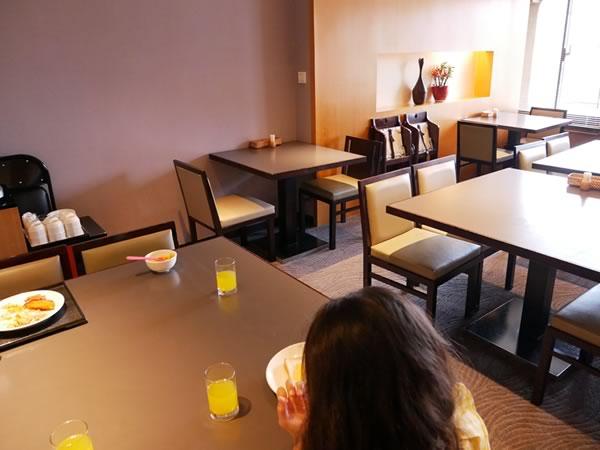 ロイヤルイン台北南西の朝食会場