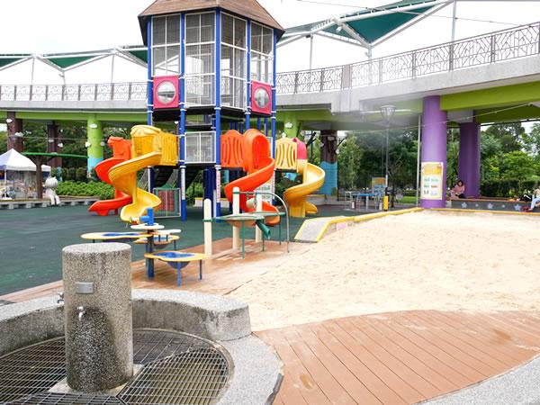 台北児童新楽園の遊具&砂場